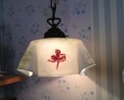 Glazen lampenkapje, beschilderd, gesigneerd