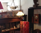 Glazen lampenkapje, beschilderd, rood-wit, artdeco